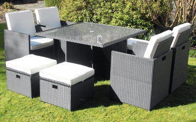 Making the most of small gardens – Space saving furniture